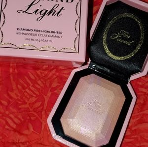 Other - Too faced diamond light highlighter